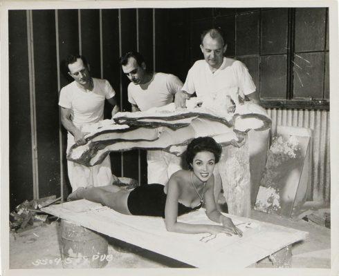 1956_La_invasion_de_los_ladrones_de_cuerpos_Dana_Wynter_.jpg