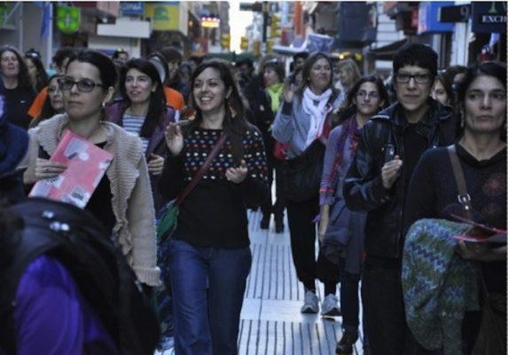 fotograma del video de Mujeres Públicas